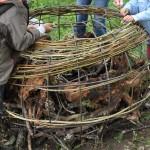 Tressage de la structure métallique du gabion Citrouille