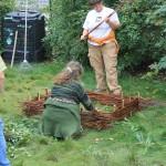 un carré de plessis, compost et paillage, c'est la création d'un Jardin des paresseux